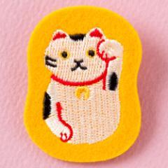 日本のこものブローチ 招き猫 スーベニール Brooch of Japanese motif, Beckoning cat