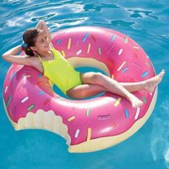 ドーナツ 浮き輪 うきわ フロート おもしろい 変わった ピンク ドーナッツ 大人も楽しめる 海水浴 水遊び プール グッズ 122cm [並行輸入