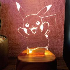 照明 LEDアクリルスタンド ポケットモンスター ピカチュウ ( LEDライト アクセサリースタンド メガネ置き 音感センサー 振動 点灯 玄関