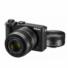 【送料無料】【即納】Nikon 1 J5 ダブルズームレンズキット [ブラック] デジタル一眼(ミラーレス一眼カメラ)