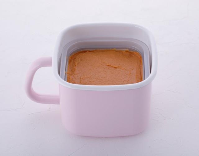 密閉蓋付なので、乾燥・酸化を防ぎ、お味噌が長持ちします