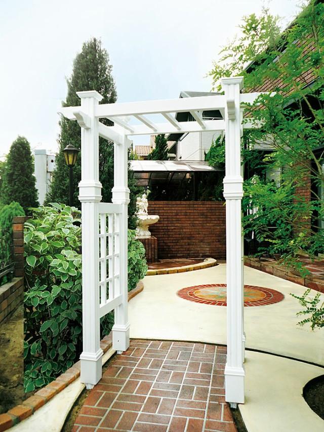 ガーデンアーチ ホワイト パーゴラ 設置例