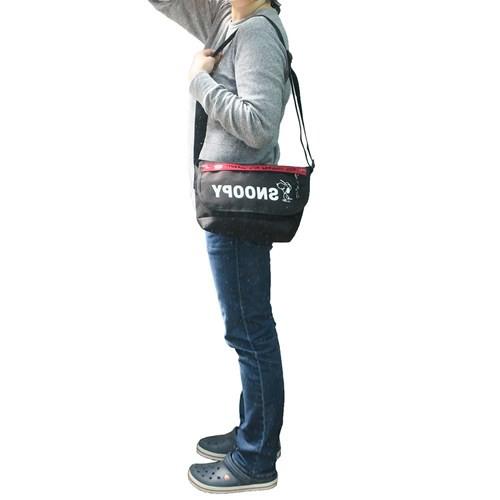 スヌーピー ショルダーバッグ メッセンジャーバッグ ロゴライン ピーナッツ 34.5×20.5×12cm キャラクター グッズ
