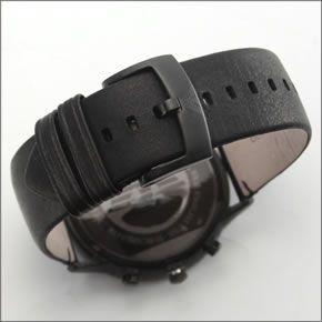 エンポリオ・アルマーニ  オールブラックカラーのレザーストラップ・クロノグラフウオッチ AR2461